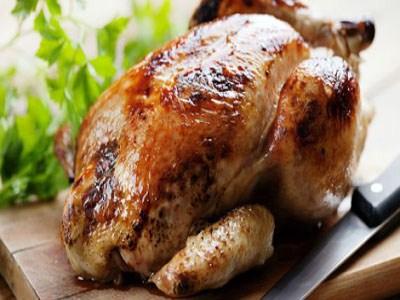خمسة أخطاء تفسد مذاق الدجاج: تجنبيها