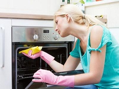 نصائح حول كيفية تنظيف المطبخ من الدهون